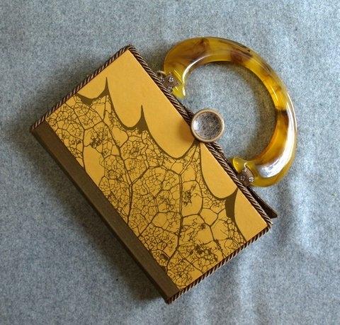 9.3.15 un vie handbag - Copy.jpg