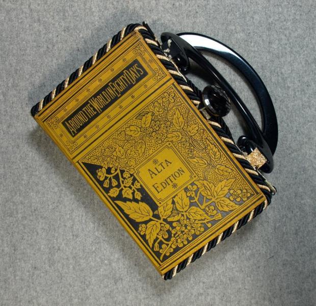 BZ14871-Around-World-80-Days-Vintage-Book-Hand-Purse-BeeZ