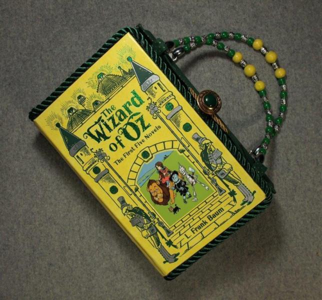BZ14959-wizard-Oz-leather-vintage-book-hand-purse-BeeZ