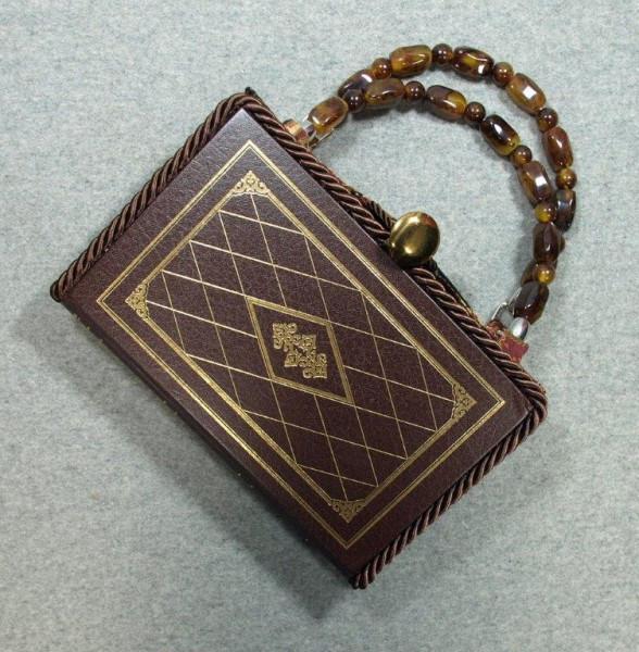 BZ15224-origin-of-species-hand-leather-BeeZ