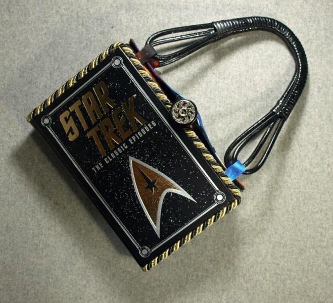 BZ15420-star-trek-leather-hand-purse-BeeZ